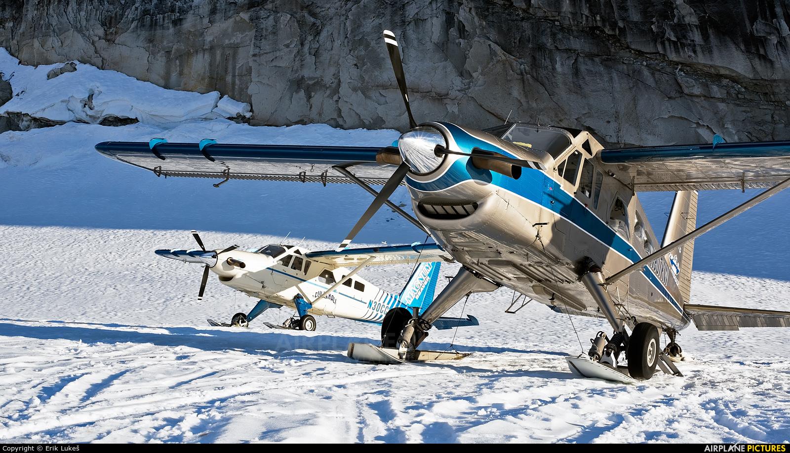 N907KW aircraft at Denali