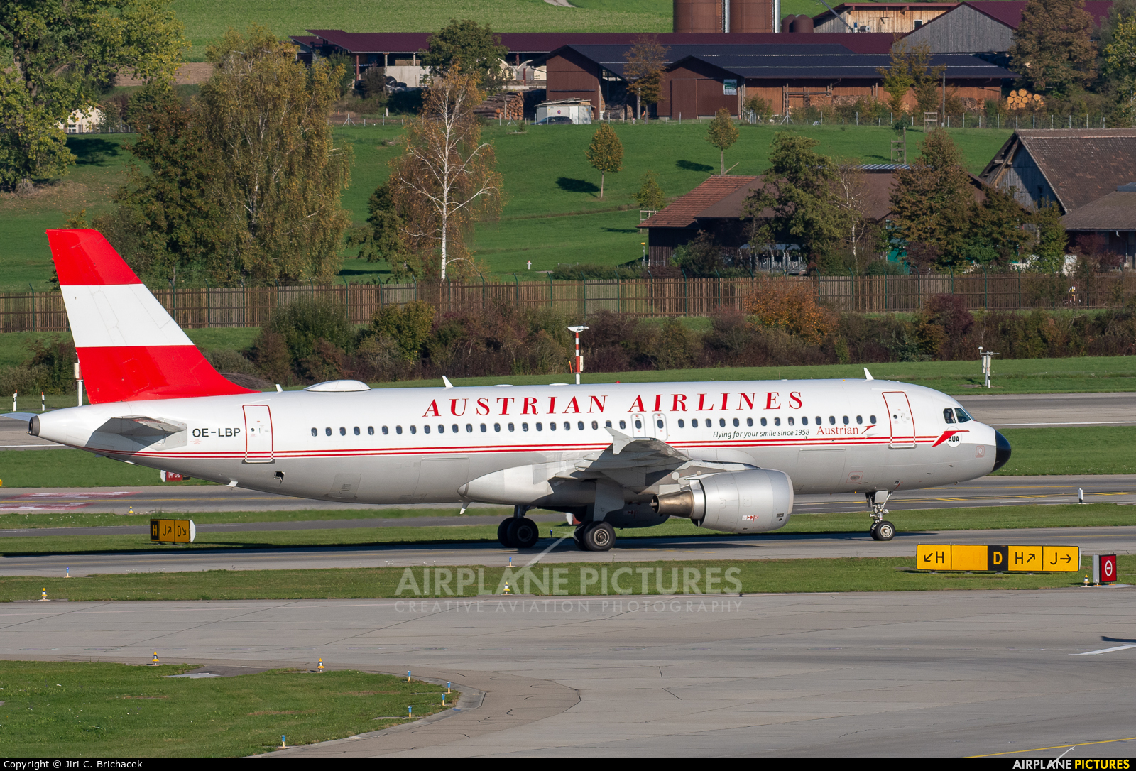 Austrian Airlines/Arrows/Tyrolean OE-LBP aircraft at Zurich