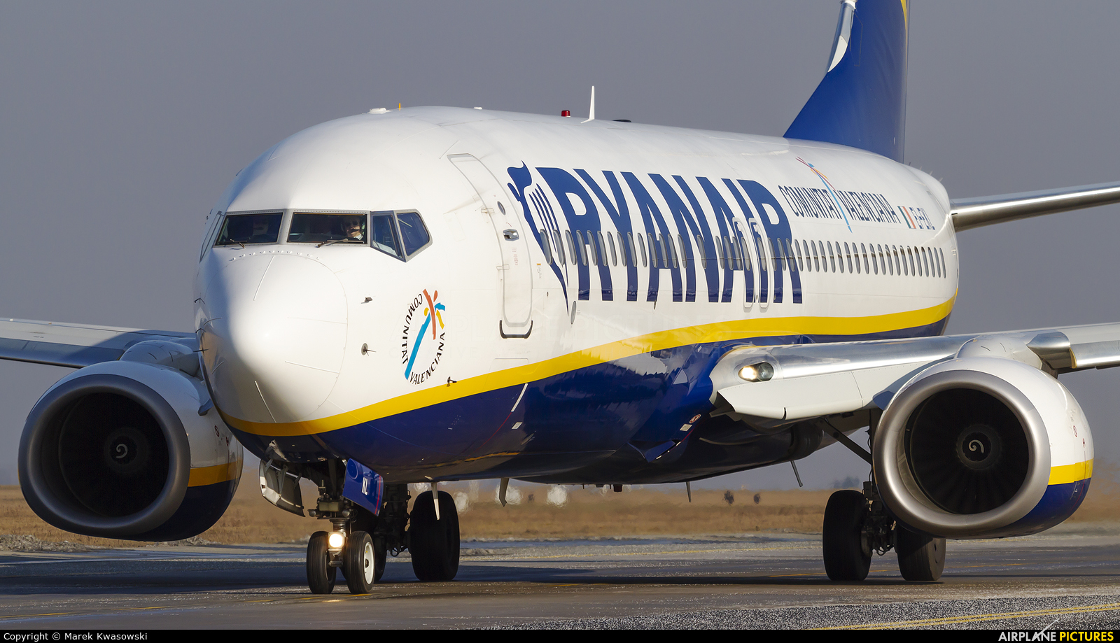 Ryanair EI-EKL aircraft at Modlin