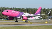 Wizz Air HA-LYL image