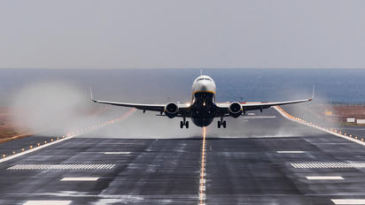GCRR - - Airport Overview - Airport Overview - Runway, Taxiway