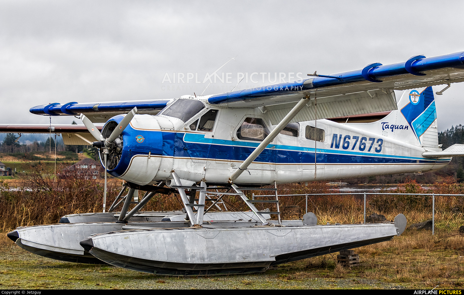 Taquan Air N67673 aircraft at Campbell River Seaplane Base
