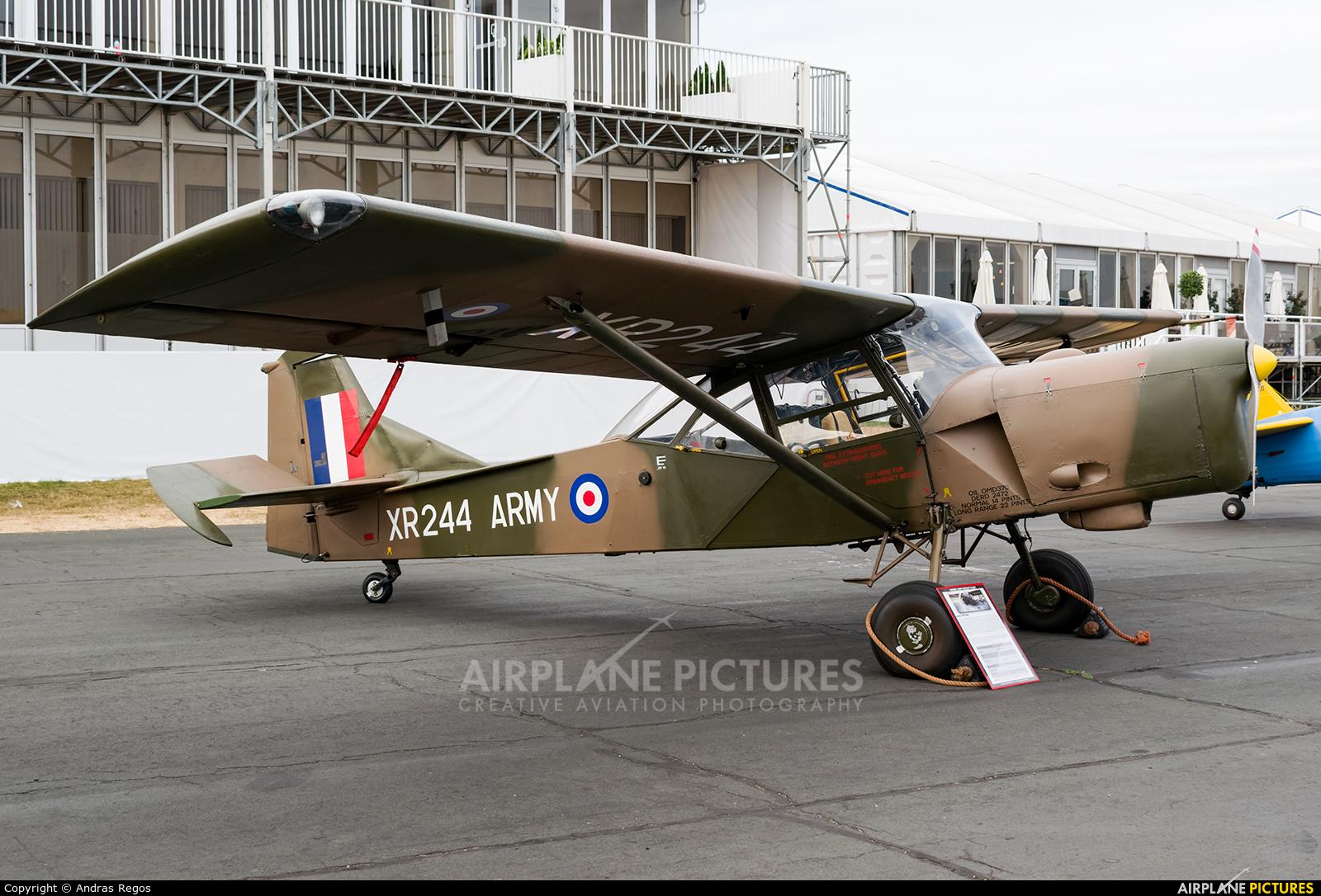 Private G-CICR aircraft at Farnborough