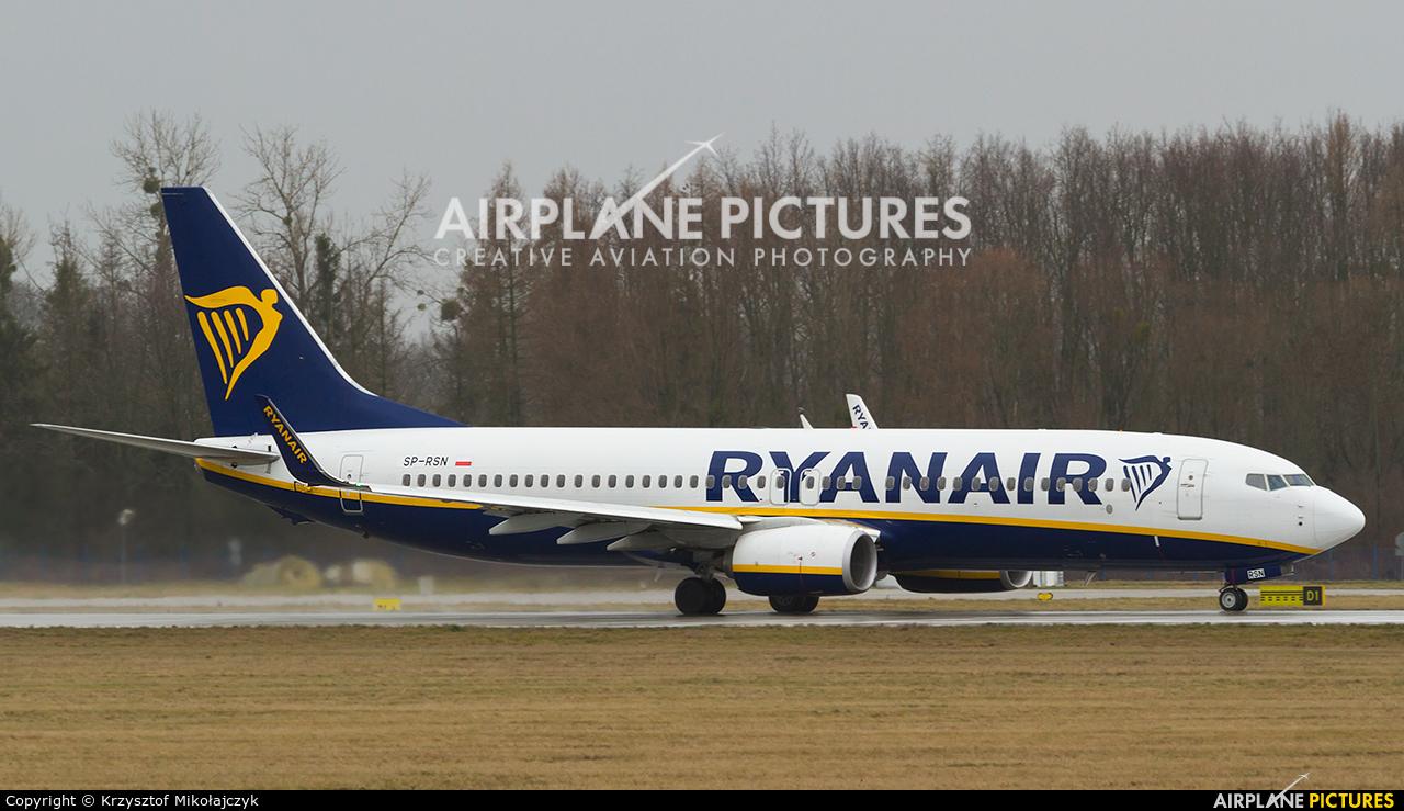 Ryanair Sun SP-RSN aircraft at Wrocław - Copernicus