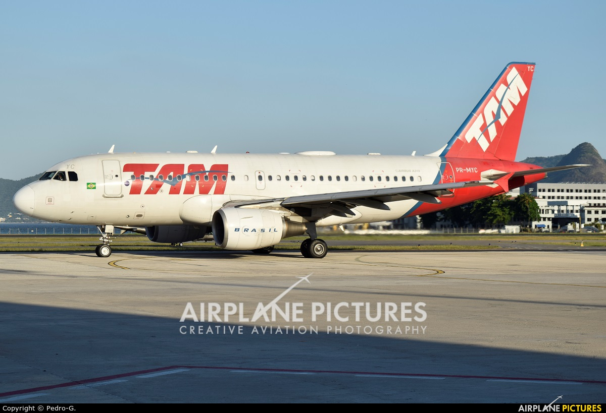 TAM PR-MYC aircraft at Rio de Janeiro - Santos Dumont