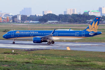 VN-A618 - Vietnam Airlines Airbus A321 NEO