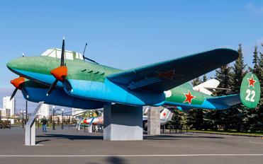 22 - Russia - Air Force Petlyakov Pe-2