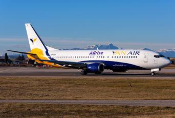 UR-CQX - YanAir Boeing 737-400