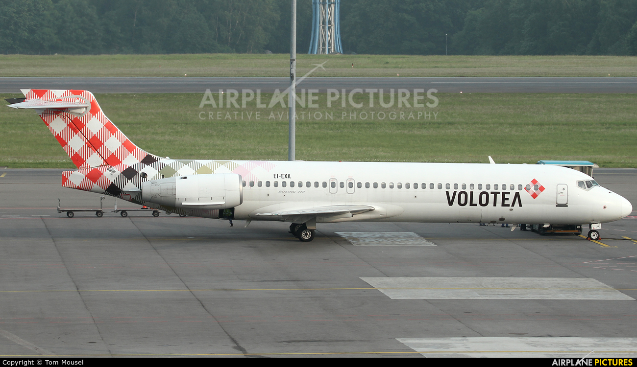 Volotea Airlines EI-EXA aircraft at Luxembourg - Findel
