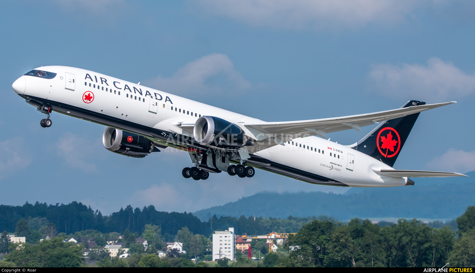 Air Canada C-FRTW aircraft at Zurich