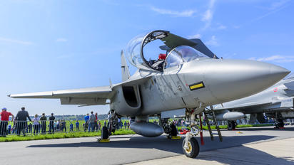 61-13 - Italy - Air Force Leonardo- Finmeccanica M-346 Master/ Lavi/ Bielik