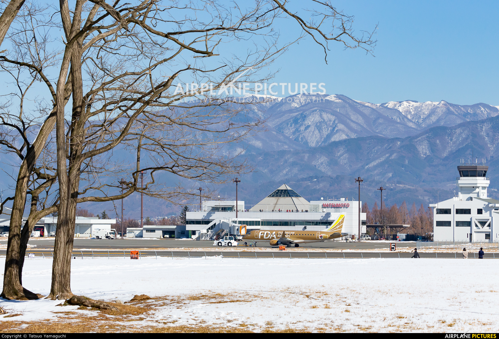 - Airport Overview - aircraft at Shinshu - Matsumoto