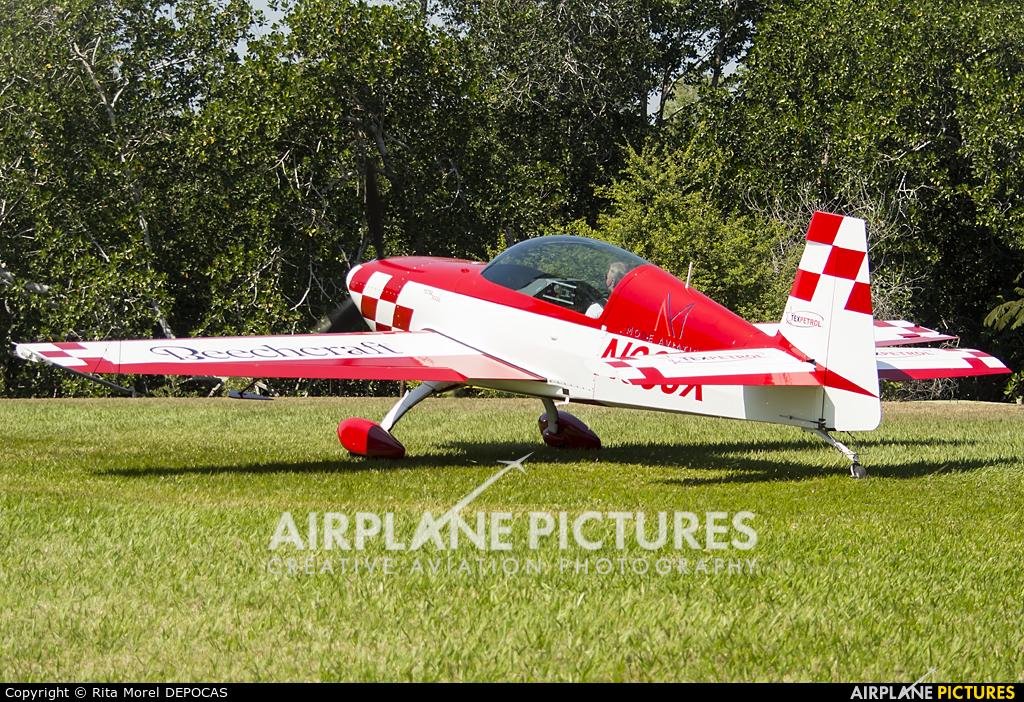 Private N66JX aircraft at Iztapa