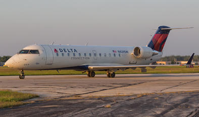 N429SW - SkyWest Airlines Bombardier CL-600-2B19