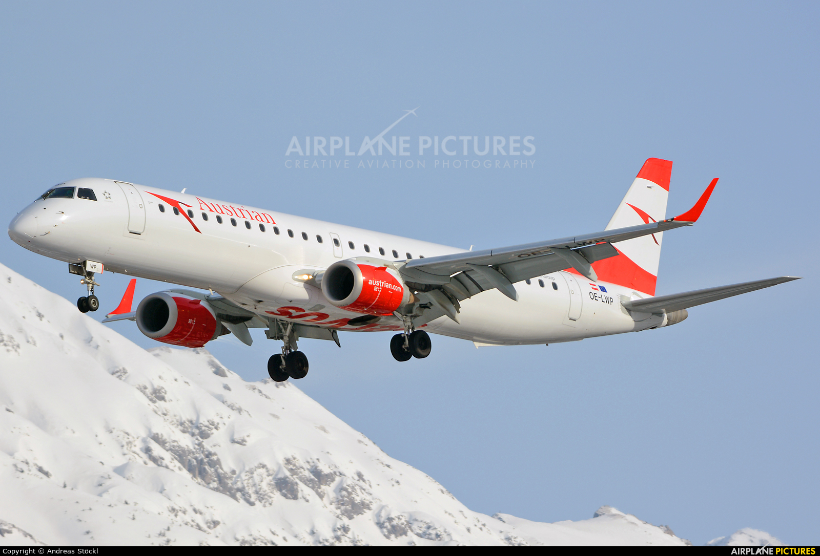 Austrian Airlines/Arrows/Tyrolean OE-LWP aircraft at Innsbruck