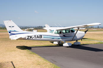 ZK-TAB - Aero Club - Tauranga Cessna 172 Skyhawk (all models except RG)