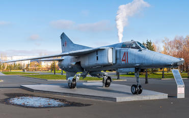 41 - Russia - Air Force Mikoyan-Gurevich MiG-27