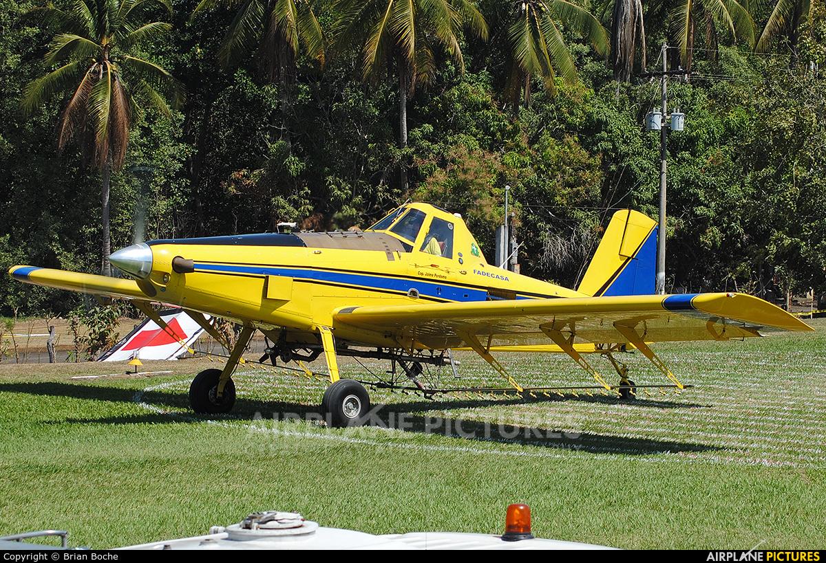 Private N412KH aircraft at Iztapa