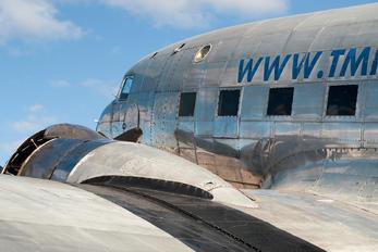 N587MB - Private Douglas C-117