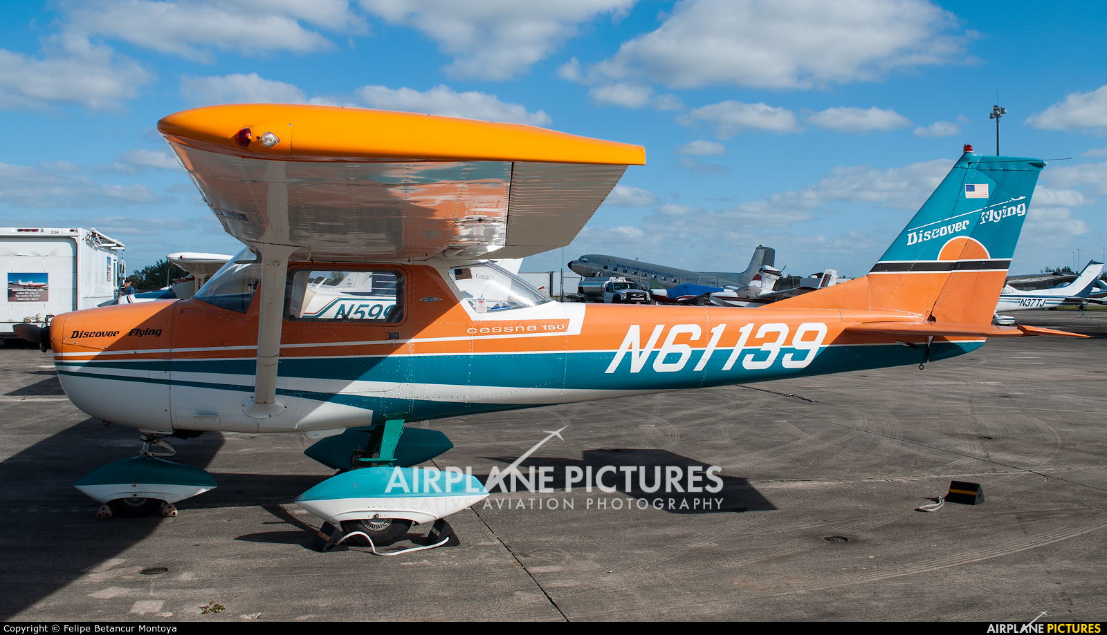 Private N61139 aircraft at Miami - Opa Locka