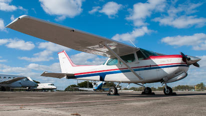 N6102R - Private Cessna 172 RG Skyhawk / Cutlass