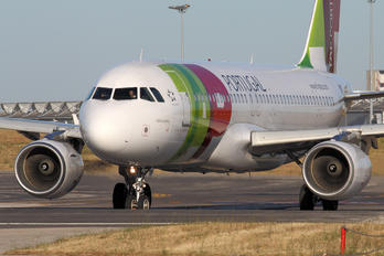 CS-TNK - TAP Portugal Airbus A320
