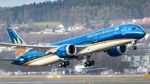Vietnam Airlines VN-A868 image