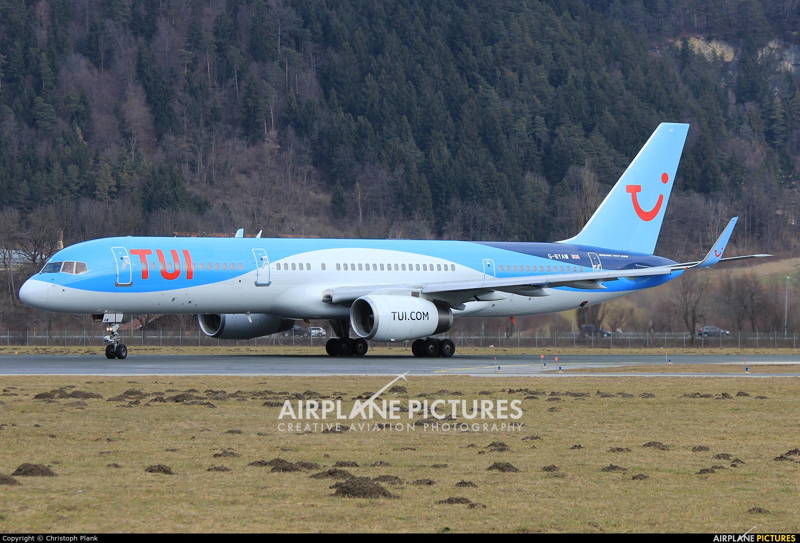 TUI Airways G-BYAW aircraft at Innsbruck
