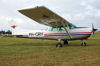 PH-GRH - Private Cessna 172 Skyhawk (all models except RG)