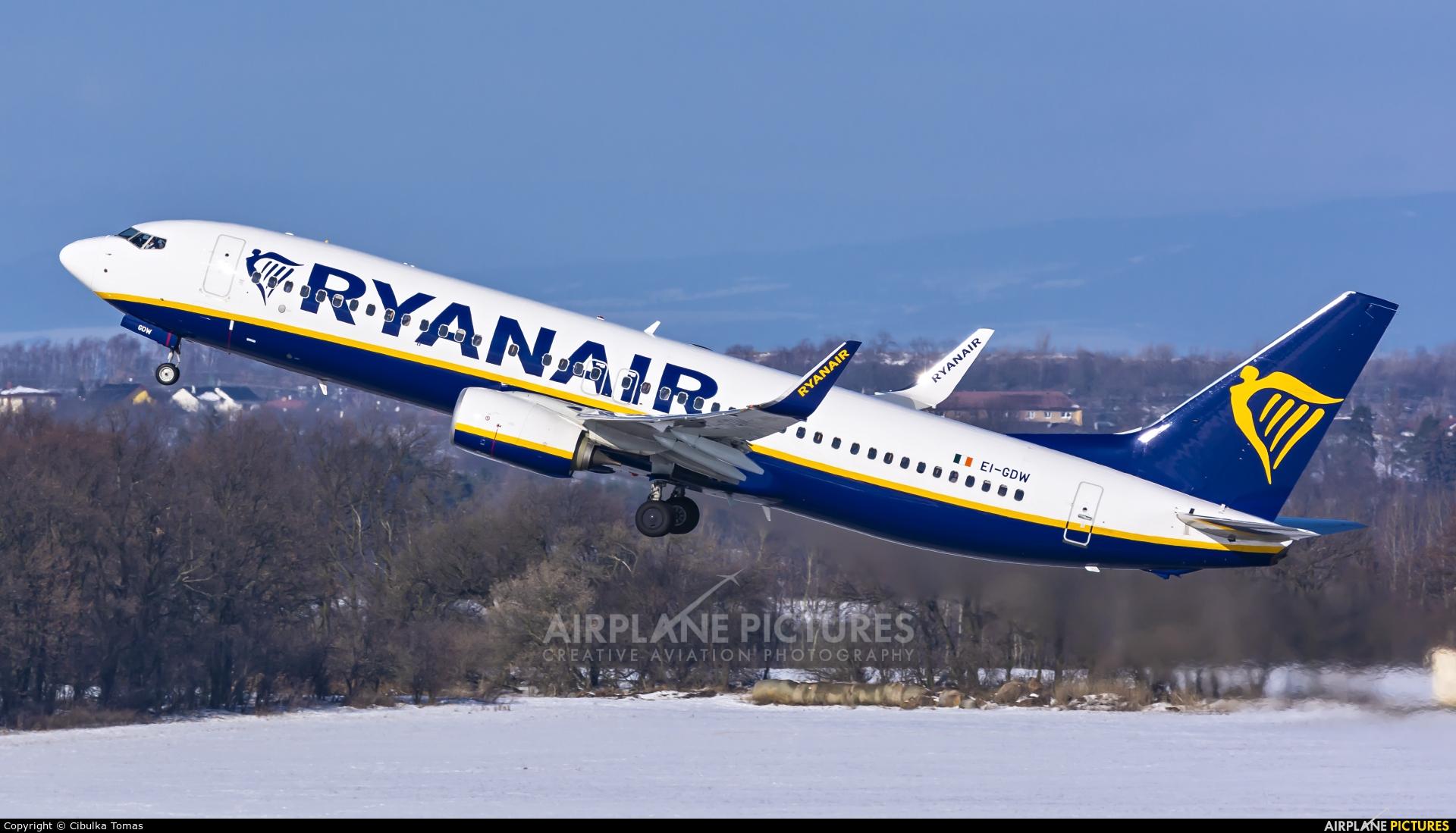 Ryanair EI-GDW aircraft at Prague - Václav Havel