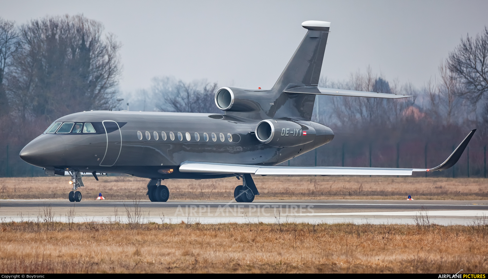 Salzburg Jet Aviation OE-IYY aircraft at Zagreb