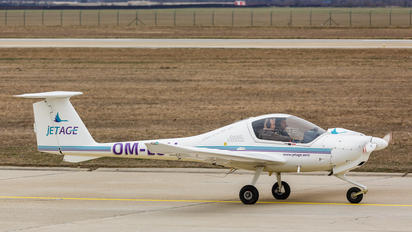 OM-LOV - JetAge Diamond DA 20 Katana