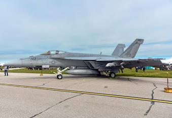 168923 - USA - Navy Boeing F/A-18E Super Hornet
