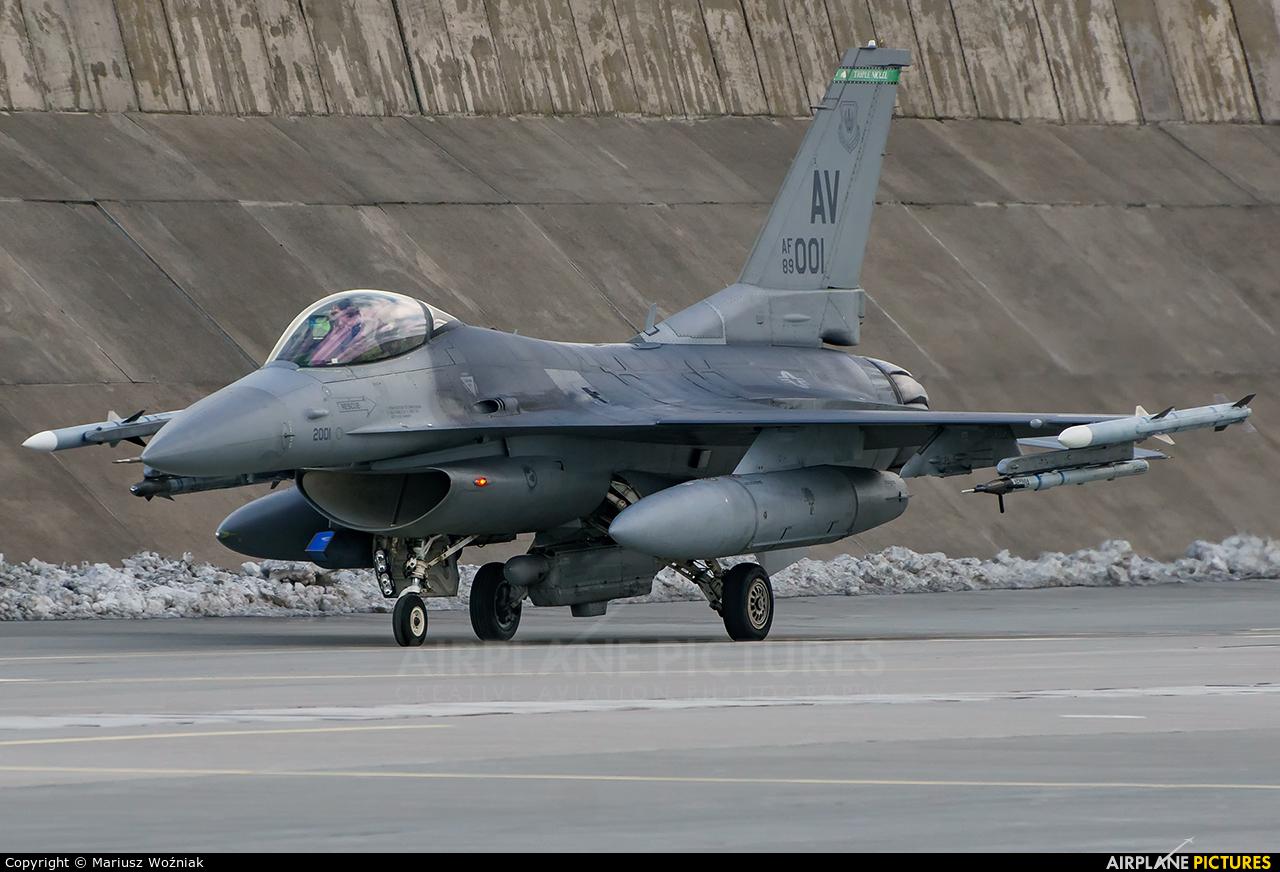 USA - Air Force 89-2001 aircraft at Poznań - Krzesiny