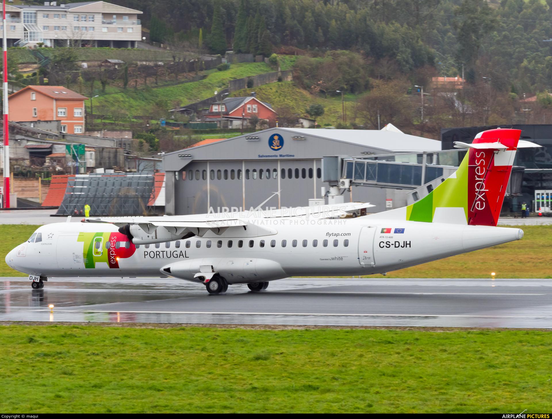TAP Express CS-DJH aircraft at La Coruña
