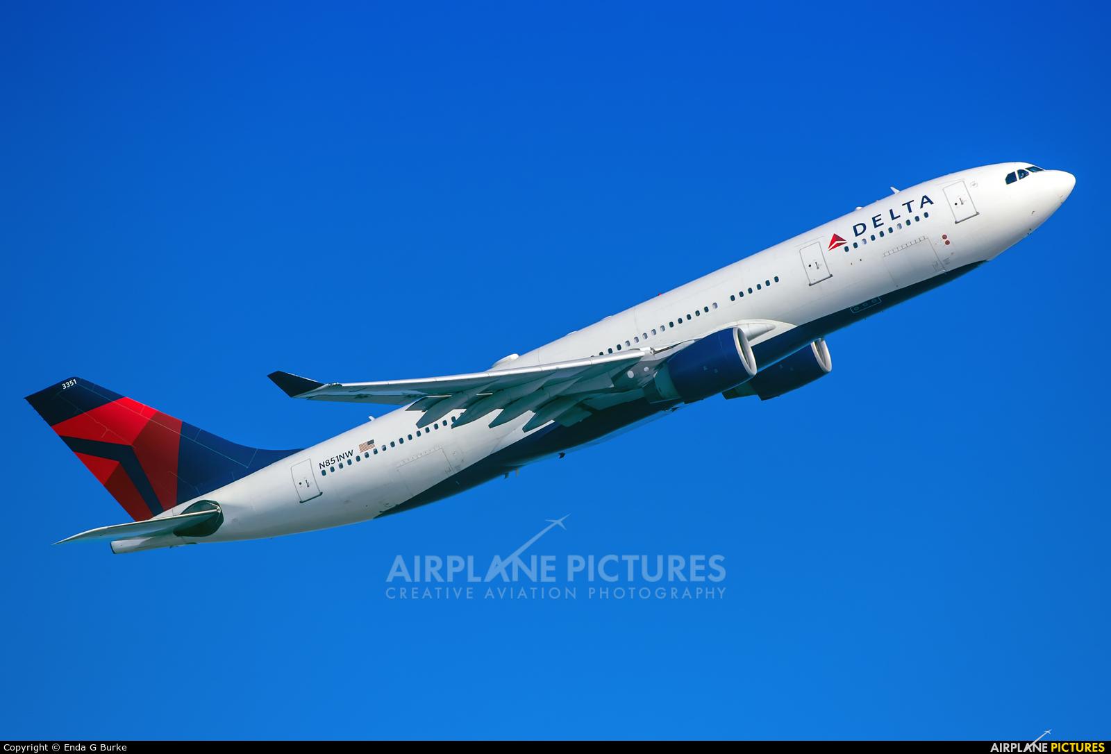 Delta Air Lines N851NW aircraft at London - Heathrow