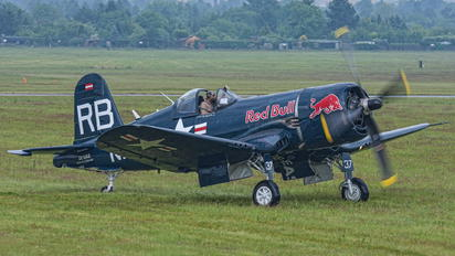 OE-EAS - Red Bull Vought F4U Corsair