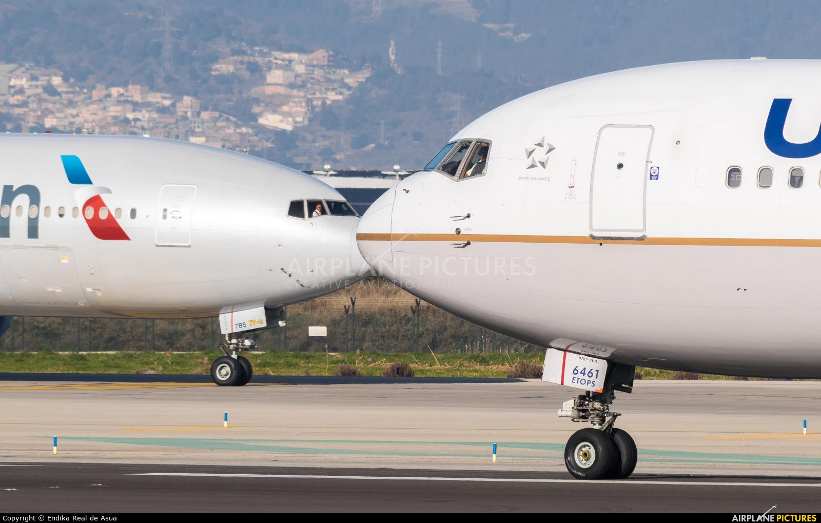 United Airlines N661UA aircraft at Barcelona - El Prat