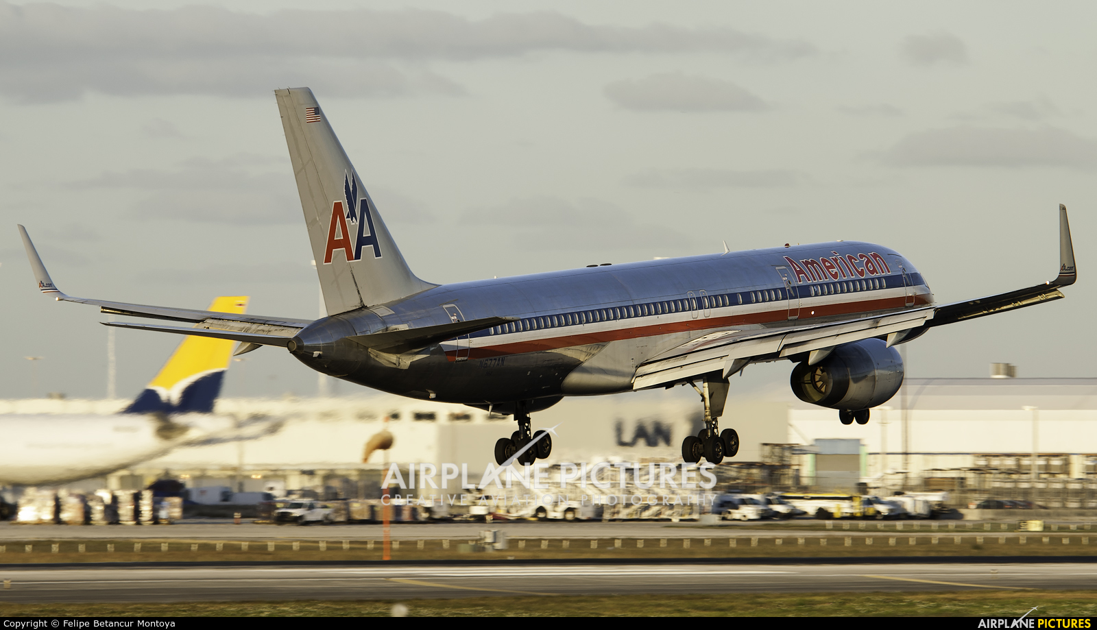 American Airlines N677AN aircraft at Miami Intl