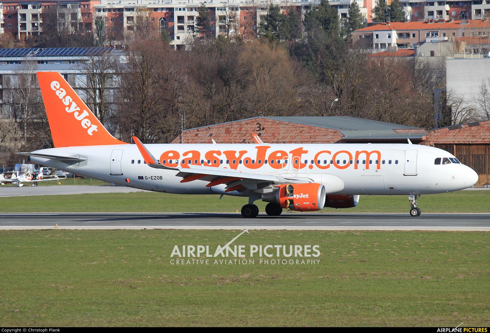 easyJet G-EZOB aircraft at Innsbruck