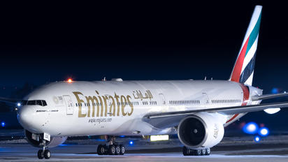 A6-ECR - Emirates Airlines Boeing 777-300ER