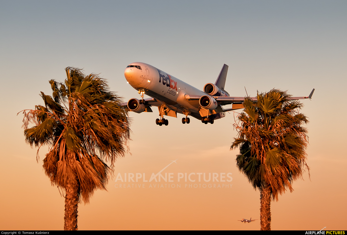 FedEx Federal Express N596FE aircraft at Los Angeles Intl