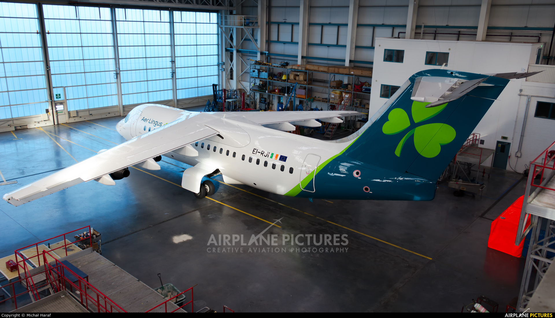 Aer Lingus EI-RJI aircraft at Dublin