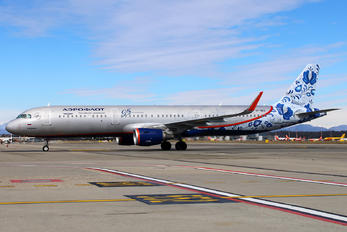 VP-BEE - Aeroflot Airbus A321