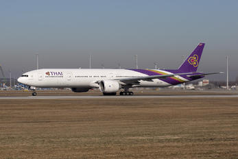 HS-TKW - Thai Airways Boeing 777-300ER