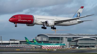 G-CKWF - Norwegian Air UK Boeing 787-9 Dreamliner