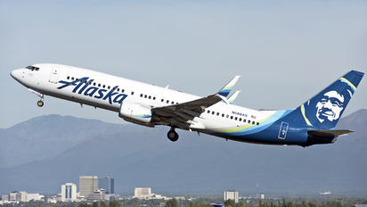 N588AS - Alaska Airlines Boeing 737-800