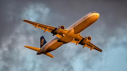 D-AISG - Lufthansa Airbus A321
