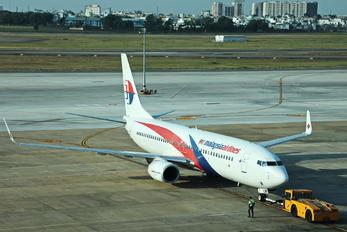 9M-MLM - Malaysia Airlines Boeing 737-800