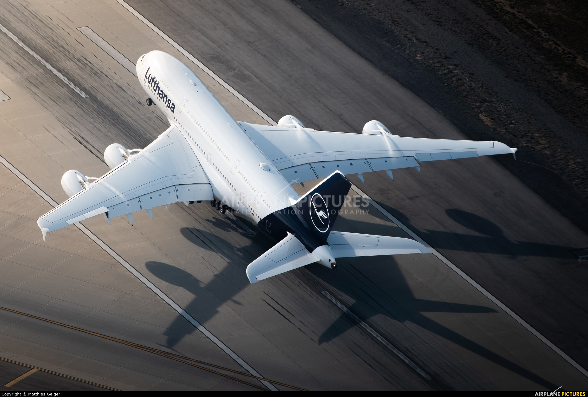 Lufthansa D-AIMC aircraft at Los Angeles Intl